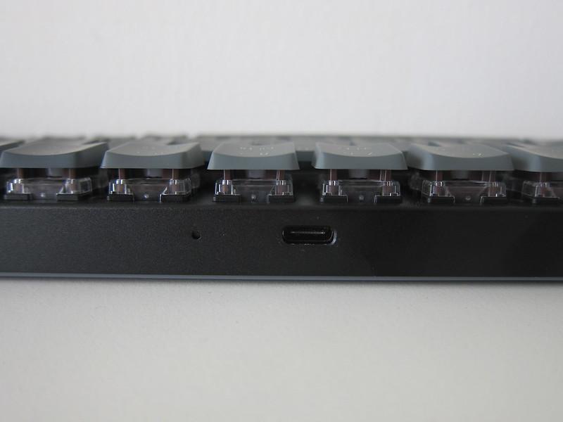 Keychron K7 - Top - USB-C Port