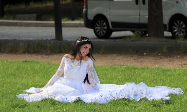 Pretty Bride to be in Paris