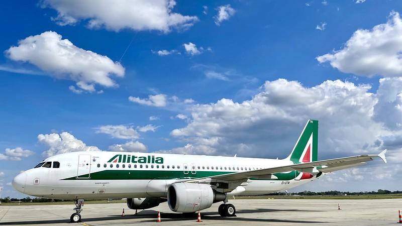 EI-DTM Alitalia Airbus A320-216