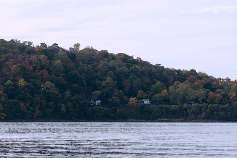 Autumn living on the Hudson