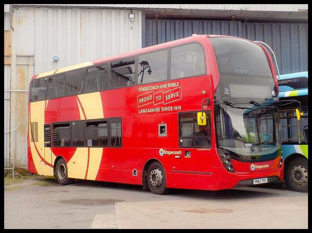 Stagecoach 15305 (YN67YKY)