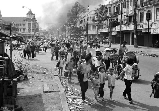 Vietnam War - Tet Offensive 1968 - Refugees Leaving Home CHOLON