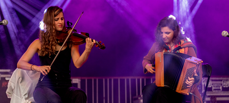 La foto muestra al dúo 'Caamaño&Ameixairas'