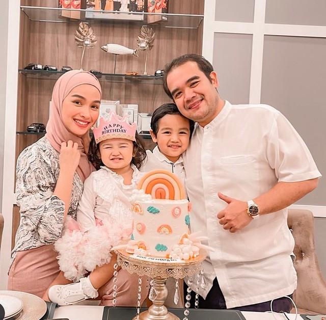 Maid Tukang On Butang 'Live' Bersama Tya
