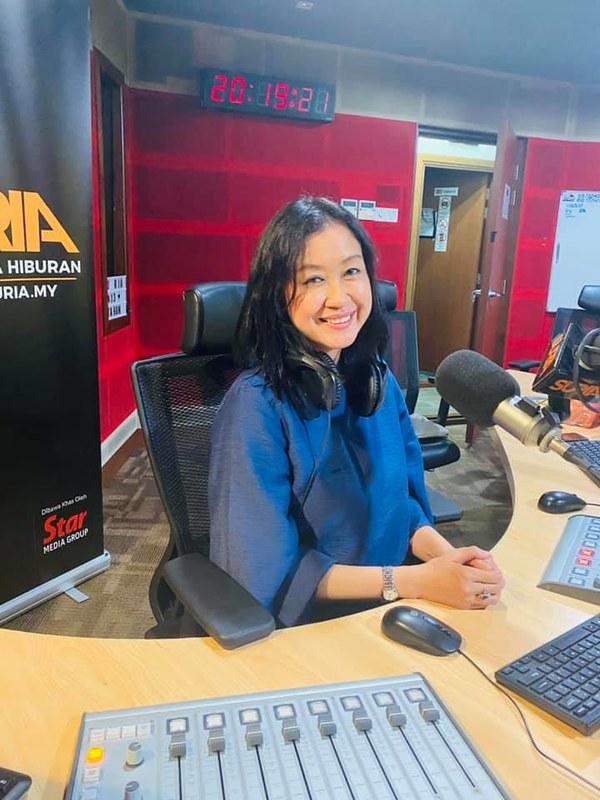 Dj Lin Menang Anugerah Penyampai Radio Paling Dipercayai Di Malaysia Bagi Tahun 2021