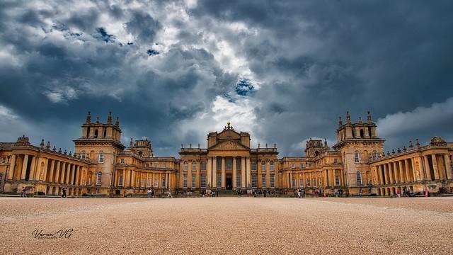 Blenheim palace courtyard