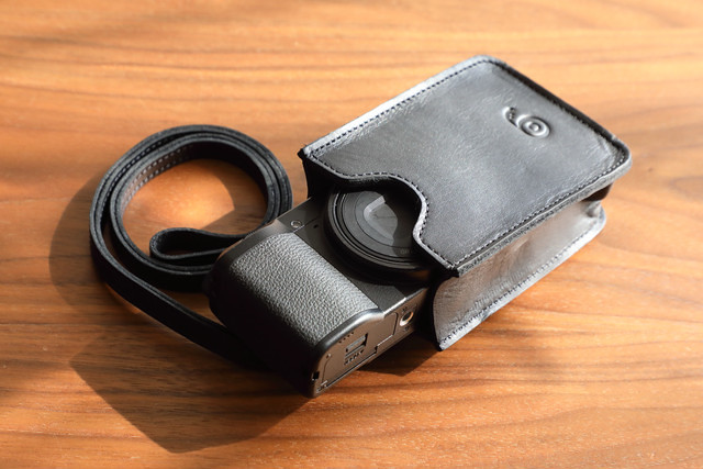 MONGOO GR Ⅲ 専用カメラポーチ(ハンドストラップ付き)