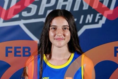 La jugadora agüimense Irene Trujillo con la camiseta de la selección canaria