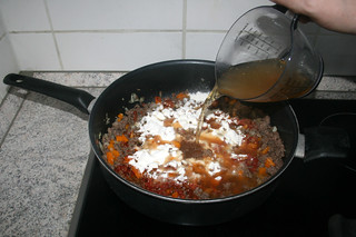 14 - Deglaze with vegetable broth / Mit Gemüsebrühe ablöschen