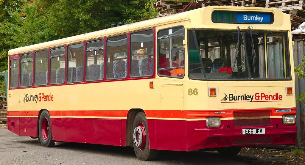 E66 JFV Volvo B10M-55 Alexander P