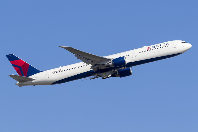 Delta Airlines 767-400ER N830MH at Heathrow Airport LHR/EGLL