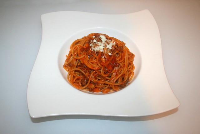 30 - Baked beans spaghetti - Served / Spaghetti mit gebackenen Bohnen - Serviert