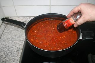 24 - Add chili flakes / Chiliflocken einstreuen