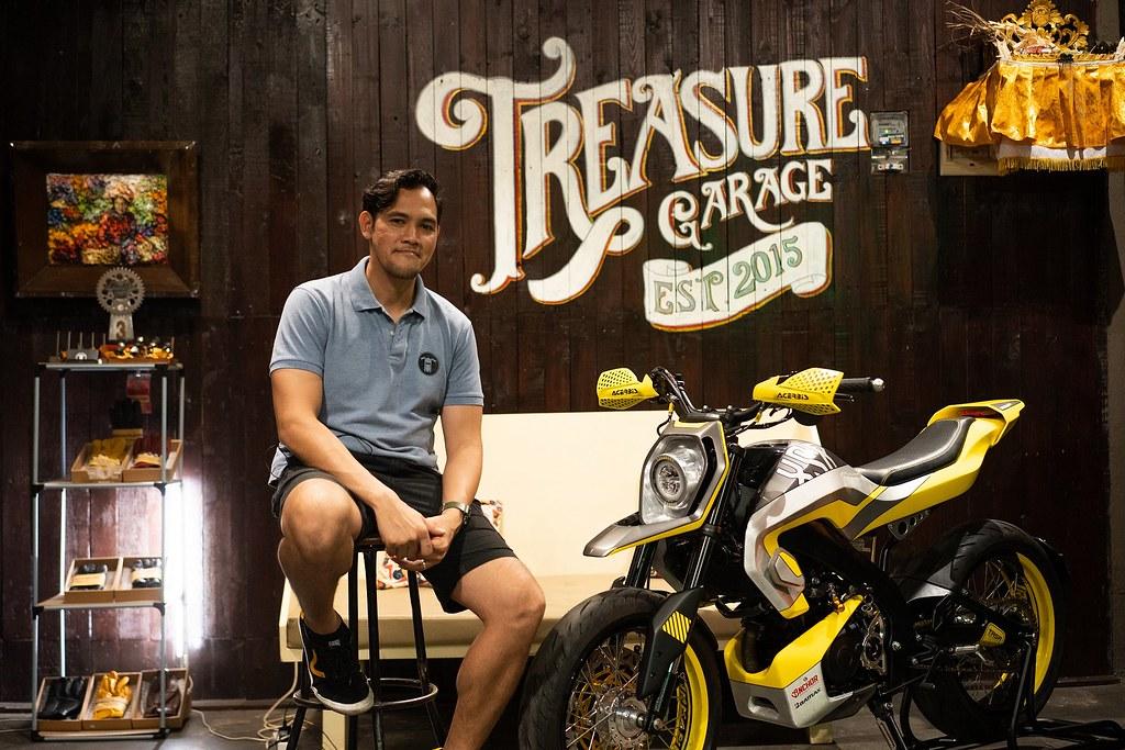Imanuel Prakoso, builder Yard Built Indonesia (Treasure Garage) dengan XSR 155 Modern Futuristic Supermoto
