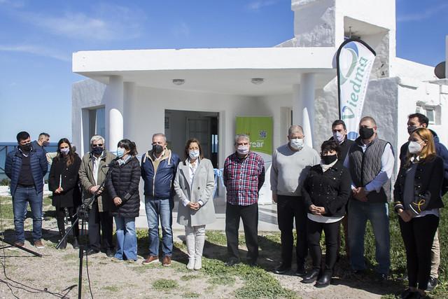 13-09-21 En La Lobería, Carreras acompañó la inauguración de la nueva confitería y recorrió obras claves del balneario