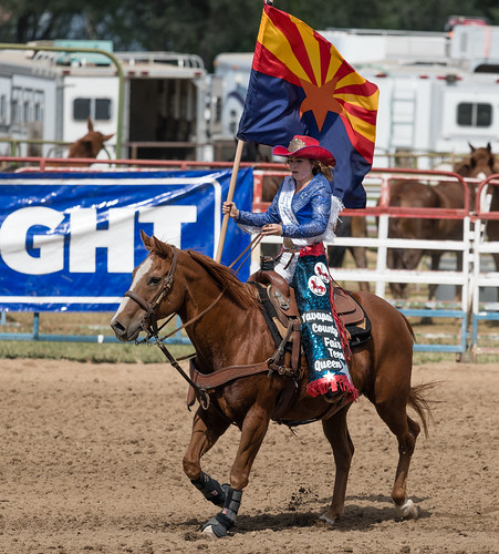 rodeo_queen_with_flag-20210912-105