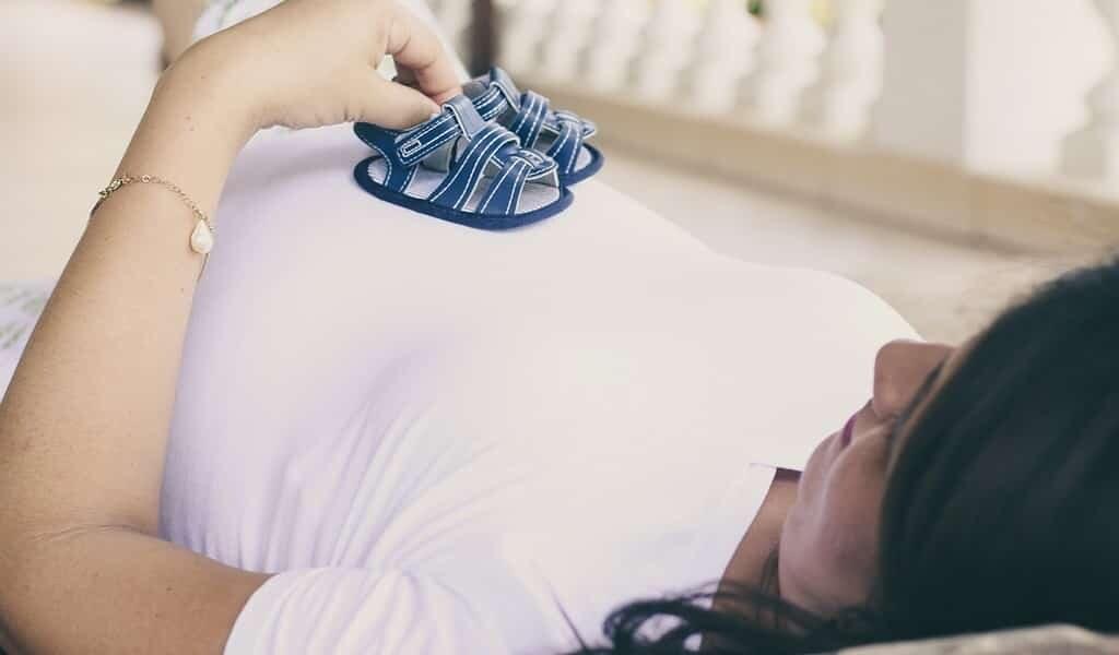 La pollution atmosphérique pendant la grossesse a un impact à long terme sur la santé des enfants