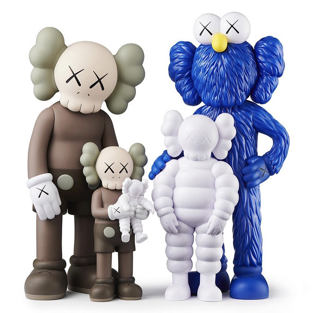 KAWS FAMILY Colored Release on TOYREVIL 01