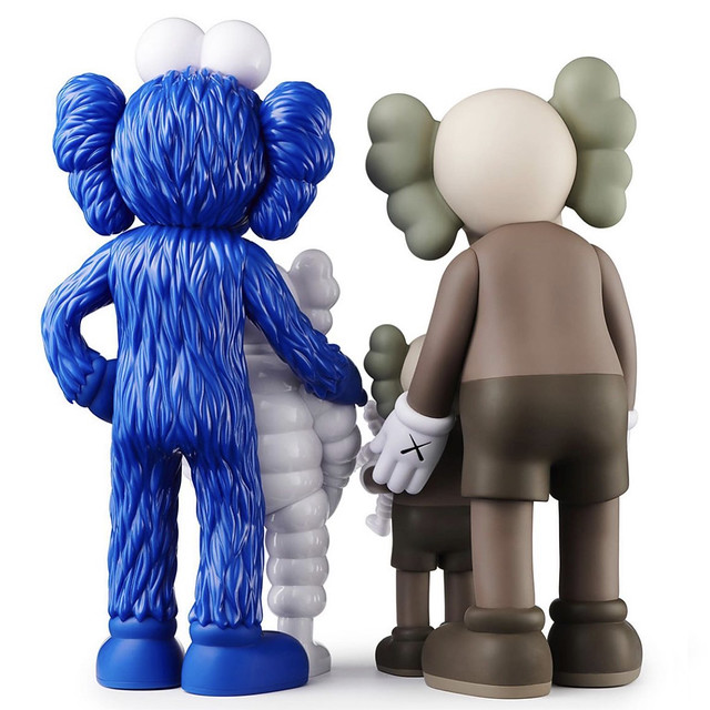 KAWS FAMILY Colored Release on TOYREVIL 0