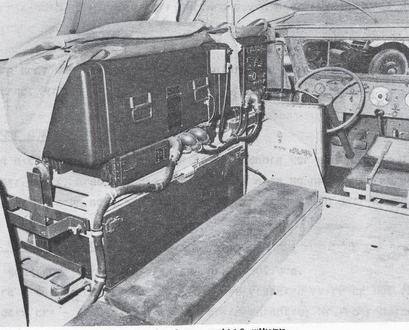 Radio-Collins-618T-MK-708-halftrack-1960s-q-70y-1
