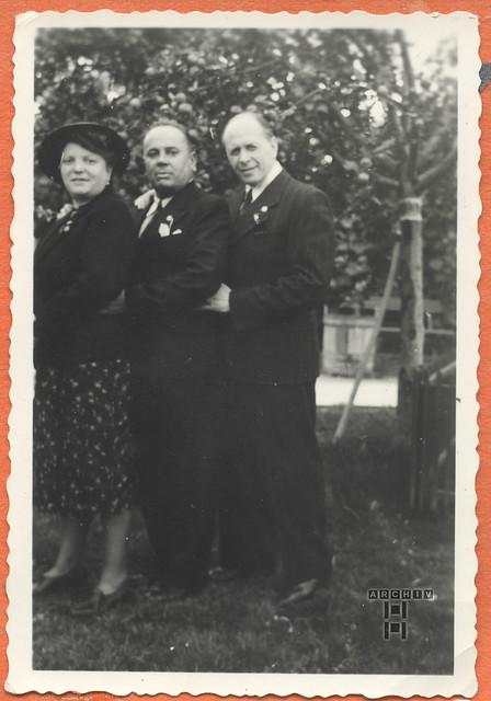 ArchivTappen24Album5m125 Familienfoto, 1900-1930er