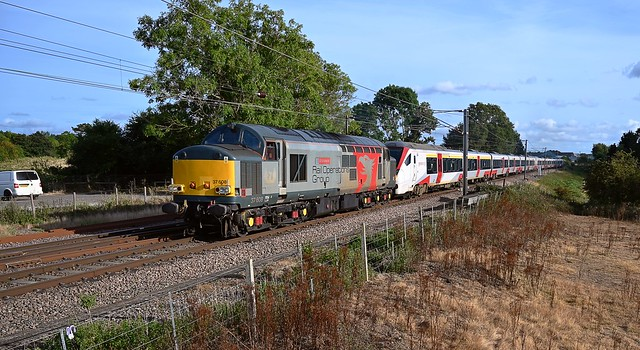 ROG 37608 passes Barham, at the head of 5P37, 14.55 Orient Way CS - Norwich C PT with a dead 745 001 in tow. Thanks to the Drive for the toots. 13 09 2021