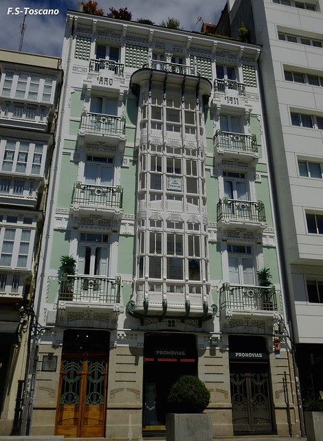Arquitectura Modernísta en A Coruña. Casa de los Ojos.