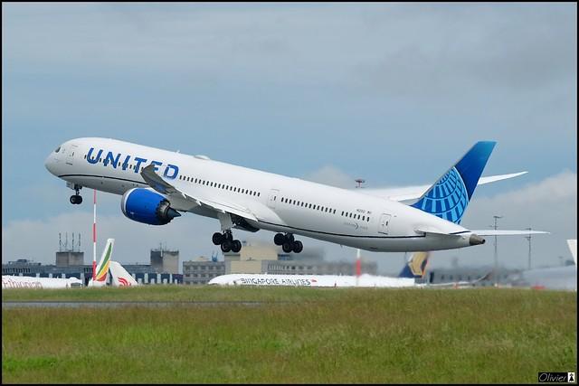 Boeing 787-10 Dreamliner, United Airlines,  N12012