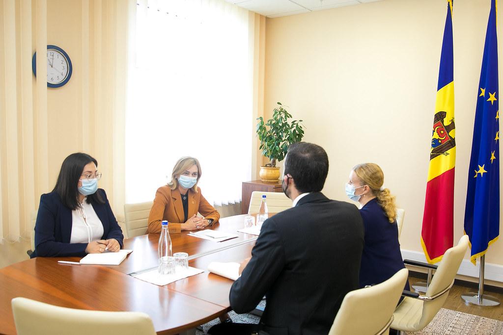 14.09.2021 - Întrevederea președintei Comisiei politică externă și integrare europeană, Doina Gherman, cu Ehsan Aleaziz, Ofițer politic al Ambasadei SUA