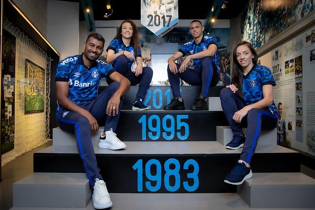 Grêmio e Umbro lançam a terceira camisa da temporada 2021