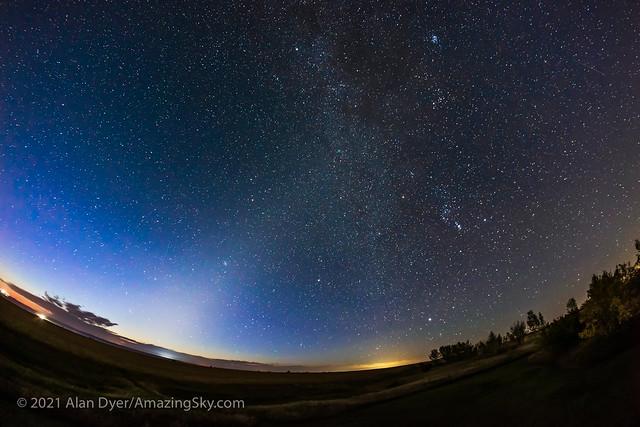 The Zodiacal Light in the September Dawn v2