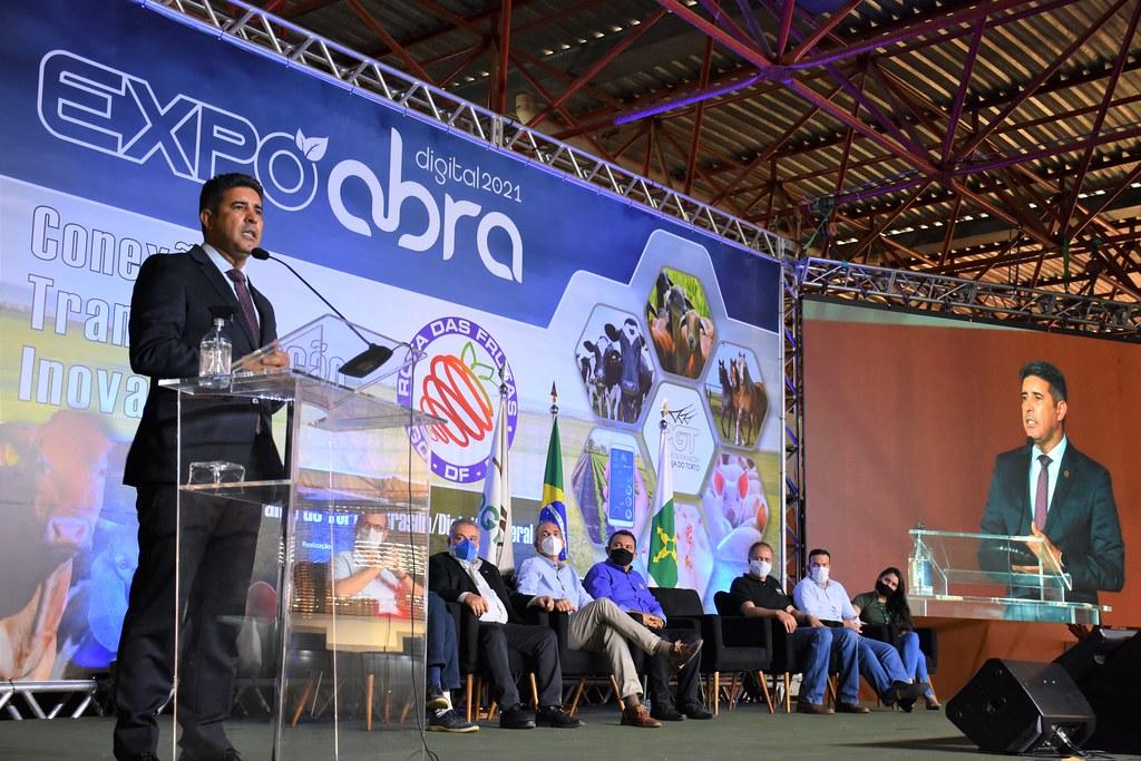 Deputado Roosevelt Vilela participa da abertura da Semana do Alimento Orgânico na Granja do Torto