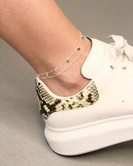 Fußkettchen sind wieder voll im Trend! 🙌 Vor allem unsere zarten Fußkettchen 'Dots' und 'Plättchen' aus 925 Sterling Silber mit kleinen Kügelchen bzw. Plättchen schmeicheln jedem Fuß! 😍 Auch erhältlich in Gold und Rosé  #shopn