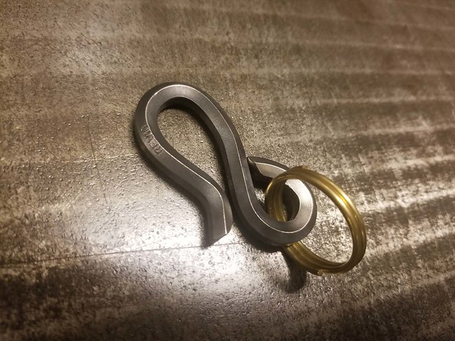 REW10 STAINLESS HEX KEYHOOK