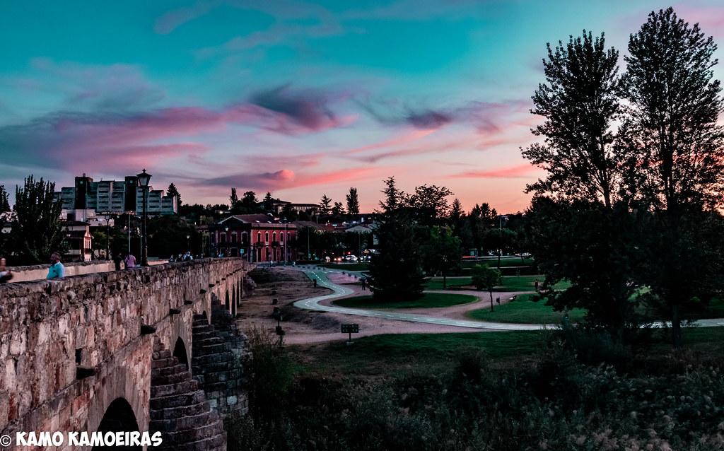 anocheciendoo x el puente romano