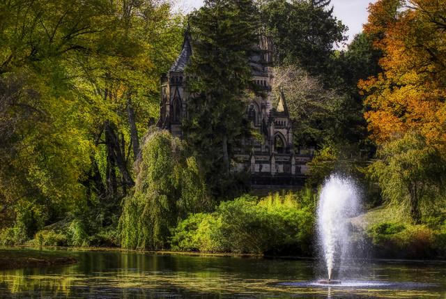 Autumn Mausoleum IMG_9984