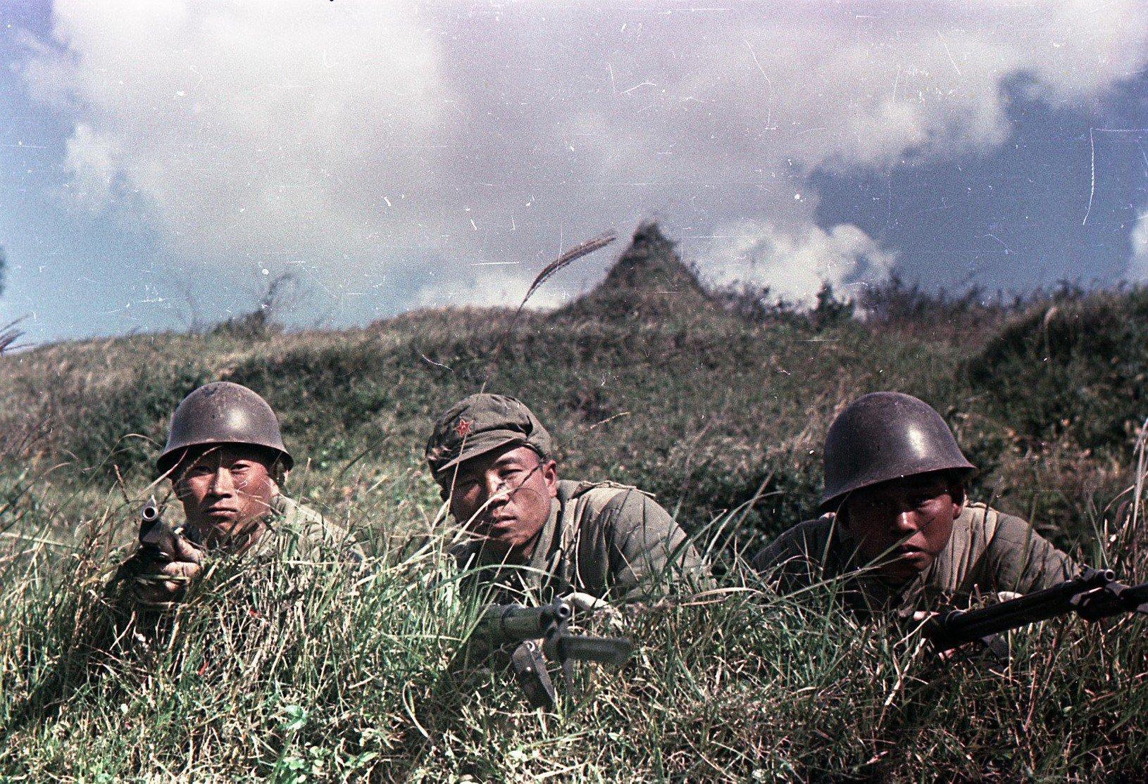 1949. Бойцы Народно-освободительной армии Китая (НОА). В засаде