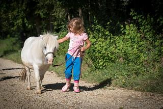 Natasja beim Ponywandern