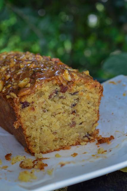 Cake aux noisettes et aux pommes (Kentish cobnut cake)