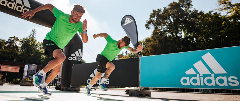 První dotyk adidas Adios Pro 2. Kdo předběhne ve Stromovce fotbalisty?