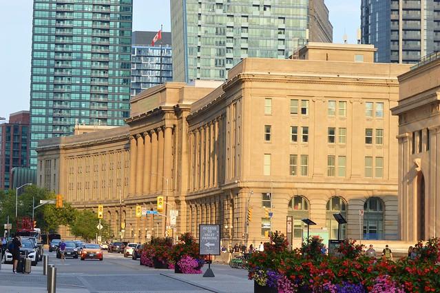 Dominion Public Building / Custom's House .... 1 Front Street .... Toronto, Ontario, Canada