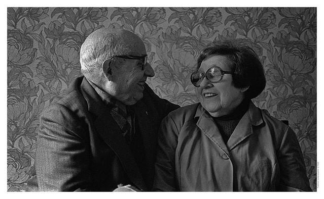Lovers through time. Tantarantana Street, Barcelona 1980