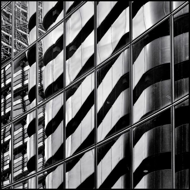 UK - London - Willis reflections 04_sq_DSC8087