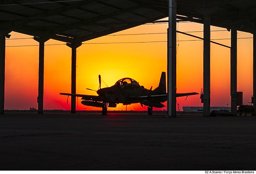 A-29 no hangarete na EXCON Tápio 2021