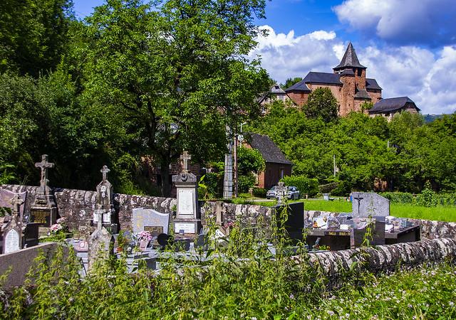 El cementiri d'Arjac / Arjac graveyard