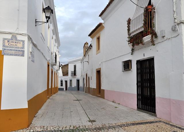Calle Ruperto Chapi, Olivenza, comarque des Llanos de Olivenza, province de Badajoz, Estrémadure, Espagne.