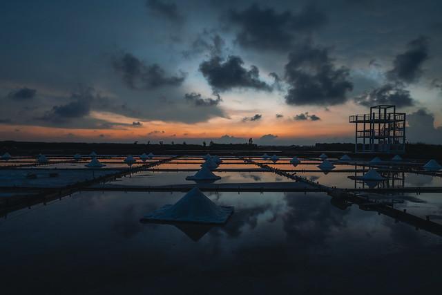 Jingzaijiao Salt Fields Under the Sunset 2