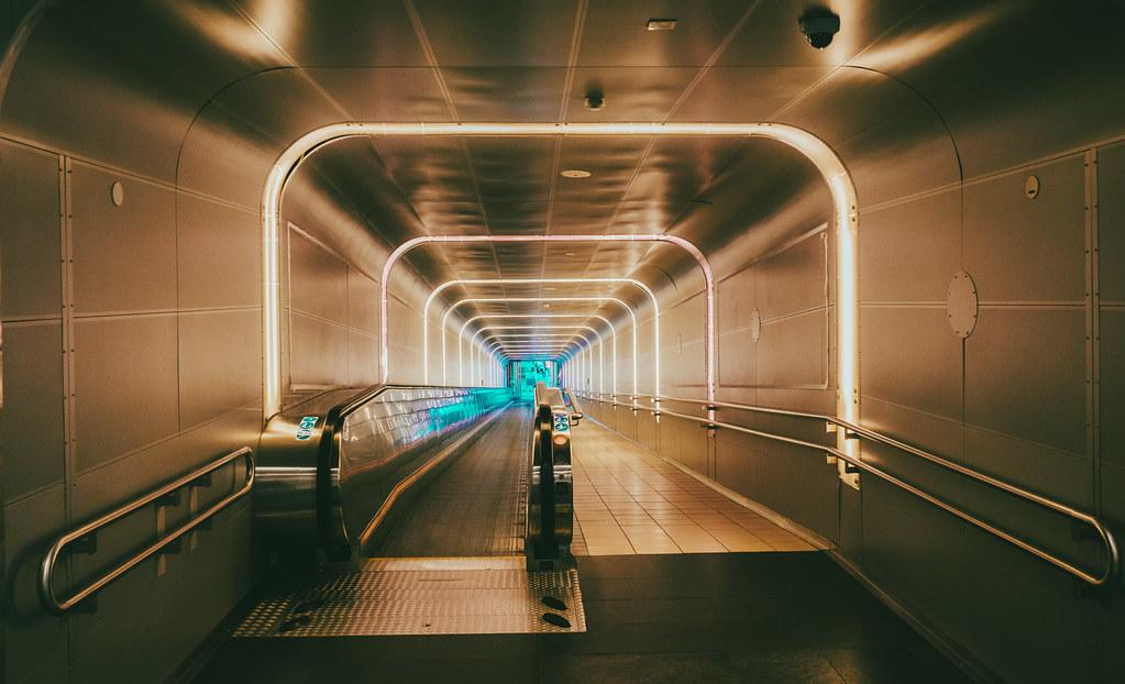 Rolling escalator