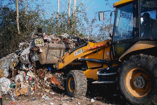 Municipalidad continua con limpieza de microbasurales y anuncia nueva ordenanza de  derechos de aseo