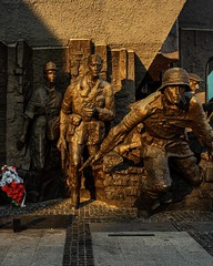 The Monument to the Warsaw Uprising is a large bronze artwork commemorating the sacrifice and the fight against nazism during the summer of 1944. I remember seeing it from the tram in my first time in was in Warsaw, back in 2010. These time, I was there b